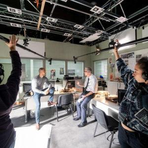 Tournage dans les studios de France 2 de la série télévisée