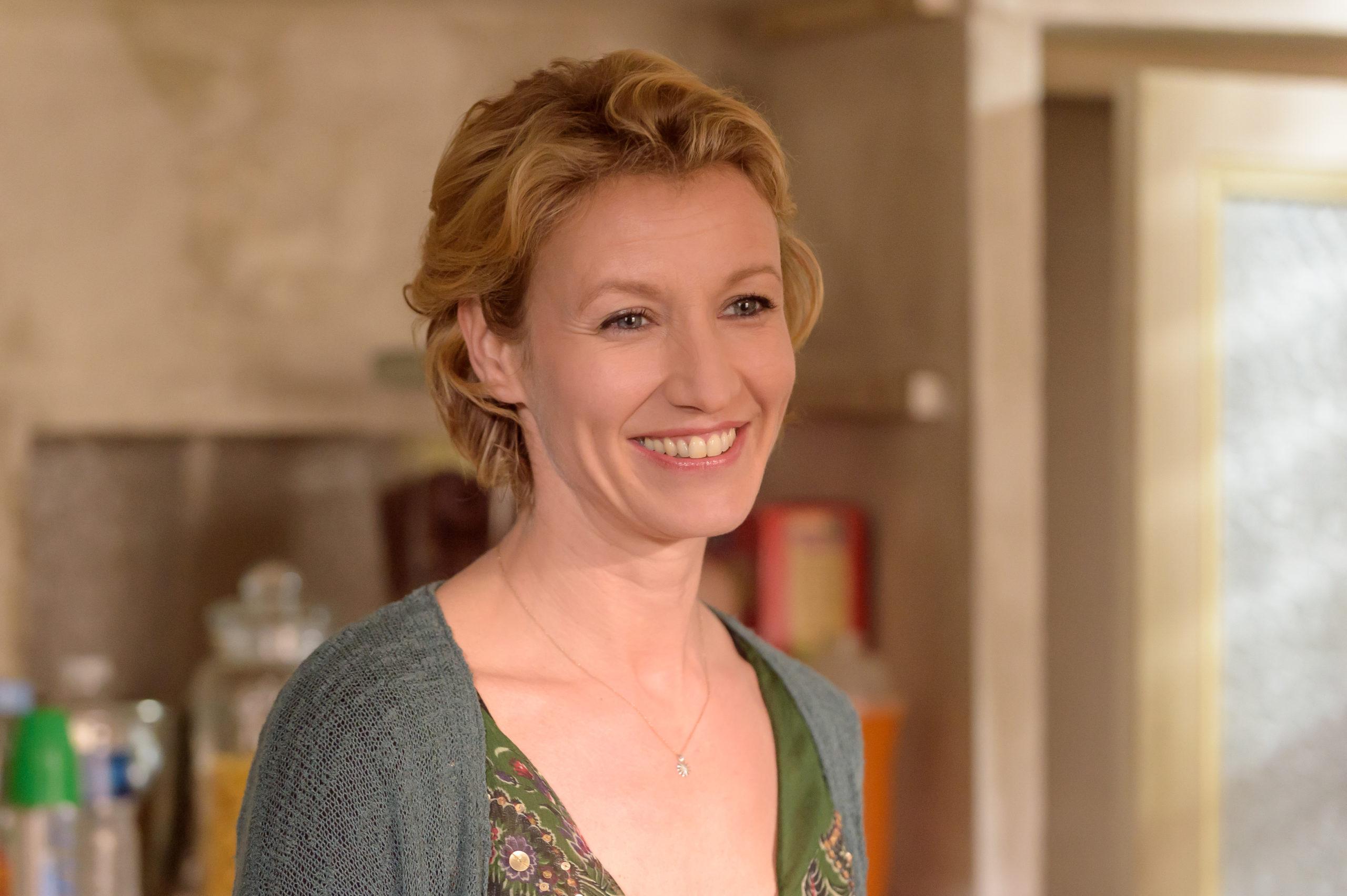 Alexandra LAMY (Marie-Laure)